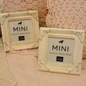 2 mini Picture Frames